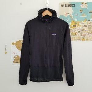 {mens} patagonia • r1 pullover hoody